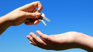 5-Things-Property-Owners-must-do-before-Handing-over-the-Keys.blog_-2.jpg