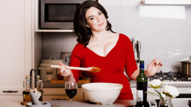 Rae Isbester as Nigella Lawson at Melbourne Fringe, Credit: Supplied.