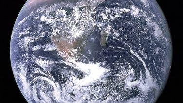 The_Earth_seen_from_Apollo_17.jpg