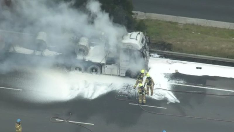 A truck fire caused outbound lanes on the Monash Freeway to be closed this morning, Credit: 9News.