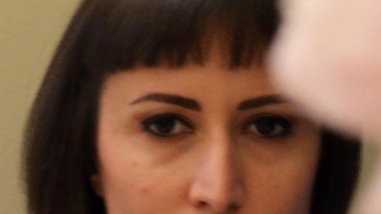 elif-sezen-portrait-1.jpg