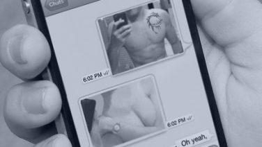 sextingg.jpg