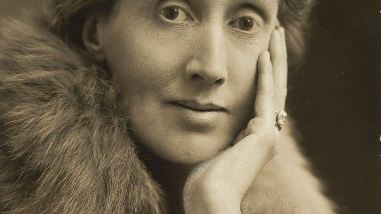 Virginia_Woolf_1927.jpg