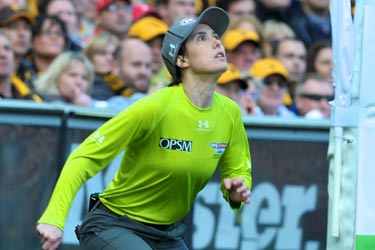 chelsea-roffey-umpire.jpg