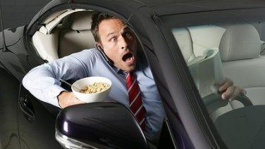 dt_eating-driving_729_20120412161434612523-420x0.jpg
