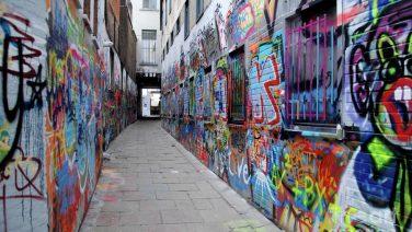 graffiti-street-andrea-simon.jpg