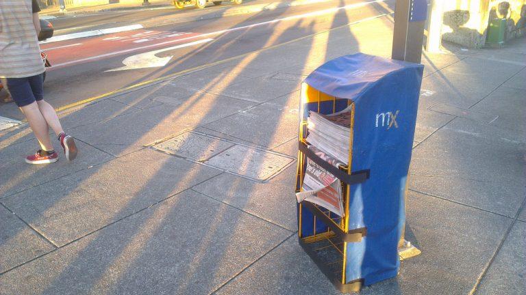 mX20stand.jpg