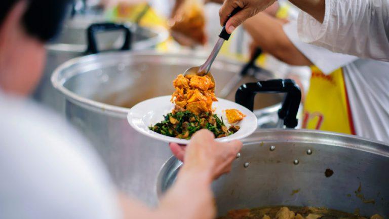 restaurants-feeding-homeless-1024x688