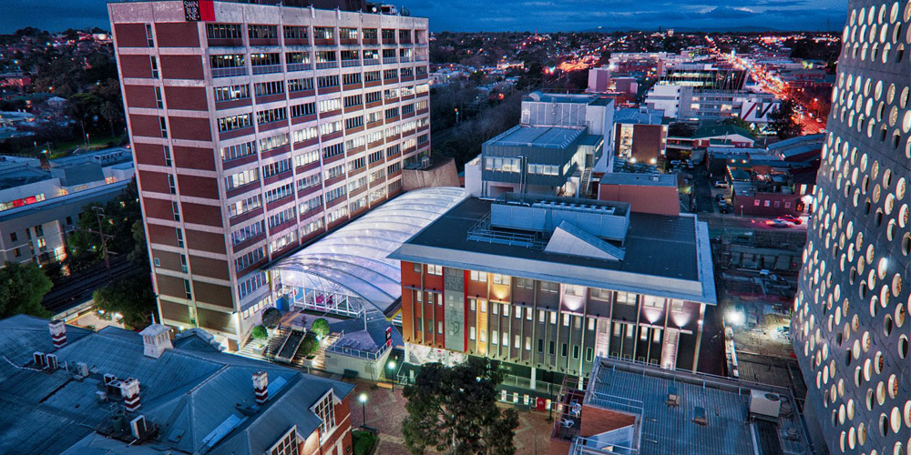 Hundreds of students and staff have been evacuated from a science lab at Swinburne University's Hawthorn campus, Credit: Swinburne University.